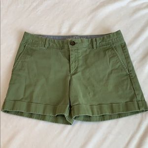Banana Republic | Green City Chino Shorts | Size 6
